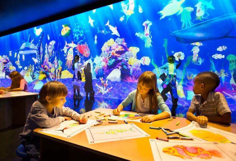 キャナルシティ博多「未来遊園地」お絵かき水族館の画像
