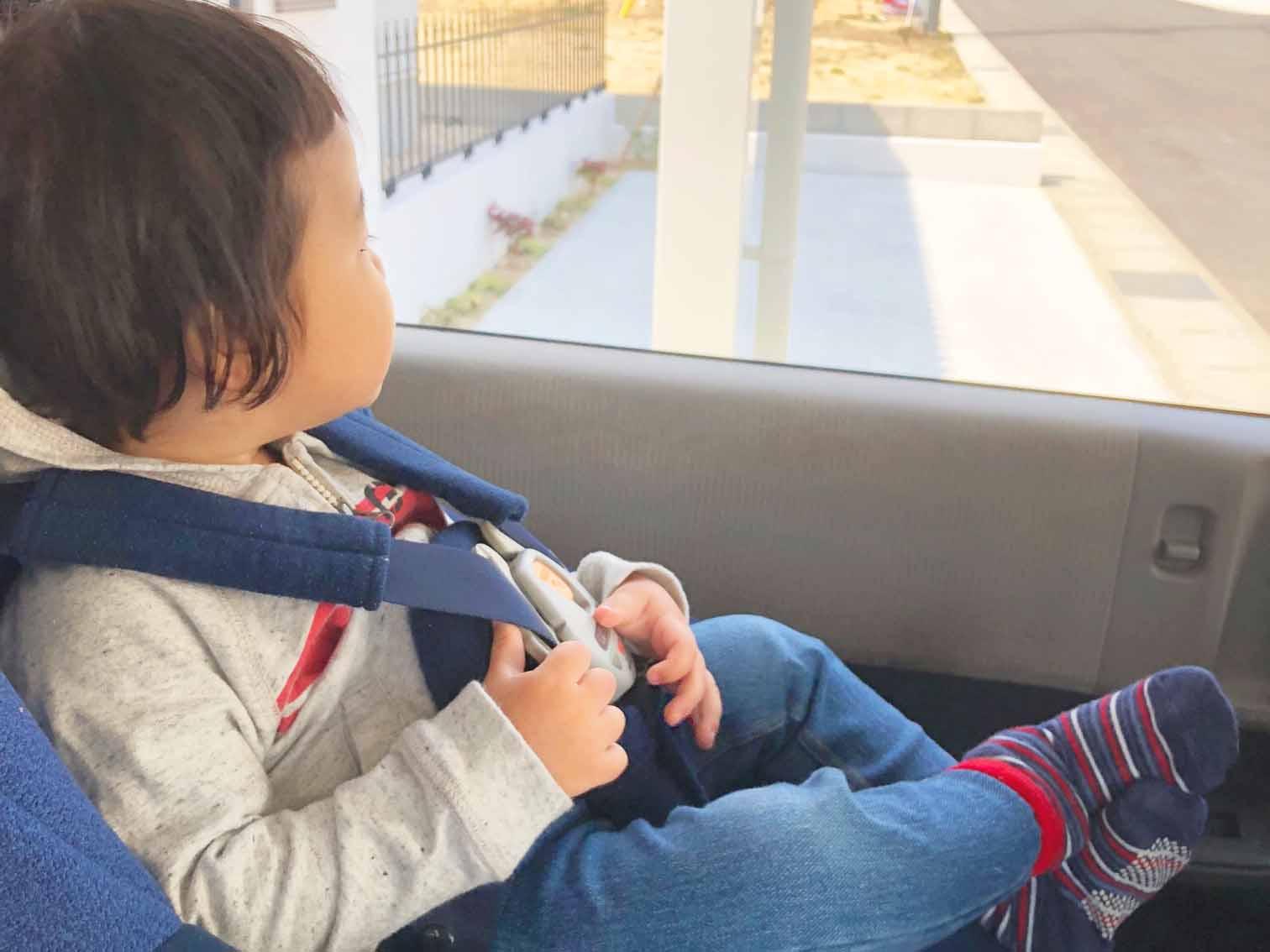 2歳児の子ども連れで車旅行!持っておくと便利なグッズとは ?