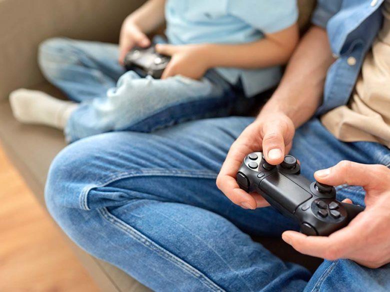「子どもがテレビゲーム大好きなんだけど…」親としての悩みと対処するポイントとは?