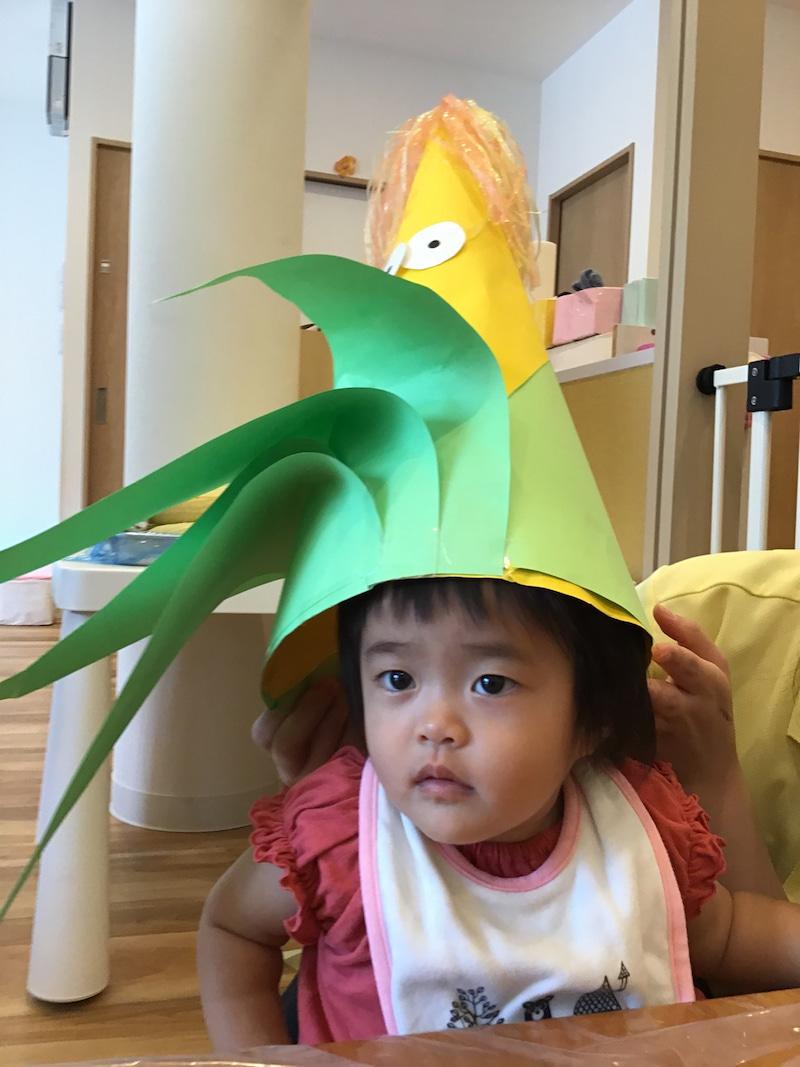 ワーママのための子育て情報WEBマガジン karafuru(からふる)とうもろこし皮むき写真